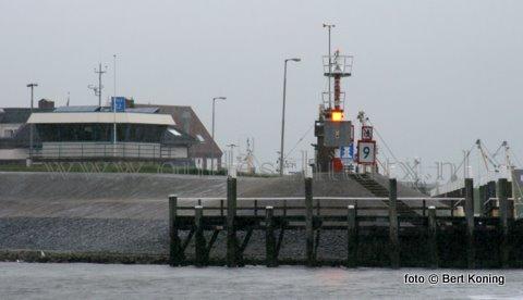 Het havenkantoor van Oudeschild op vhf kanaal 12.