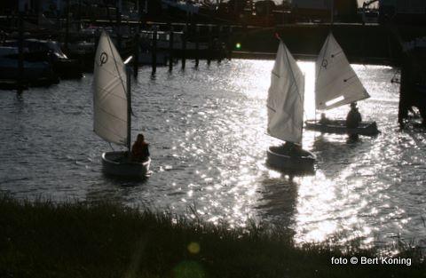 Vandaag begon de Watersportvereniging om 18.30 uur weer met de jaarlijkse zeilcursus voor Texelse jeugd.