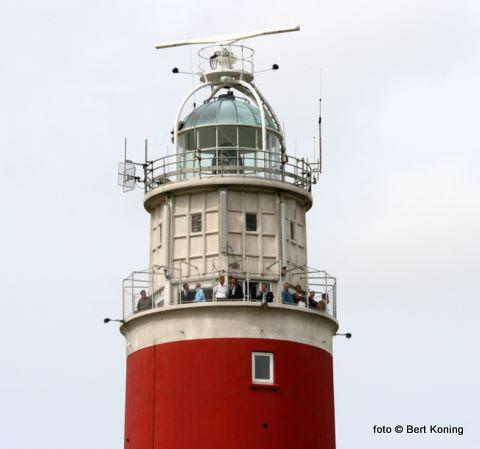 Vuurtoren Eierland op het meest noordelijke puntje van Texel is zaterdag gratis te bezoeken. Voorwaarde is wel dat de bezoeker zich geheel in het rood gekleed (!) meldt bij de entree. Afgelopen dinsdag ging de toren voor het eerst open voor publiek.