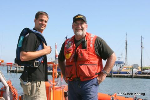 Links André Rox uit Den Helder en rechts de voorzitter van de Recreatieondernemers Waddenzee West: Ewald Buisman uit Wieringen.