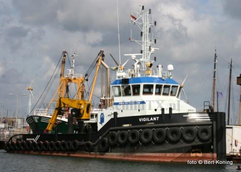 Visser beleefd weer drukke tijden. Deze week lag de sleepboot Vigilant uit het Friese Makkum in dok voor onderhoud. Vrijdag vertrok met weer naar Friesland om plaats te maken voor de WR 106.