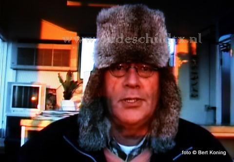 Weerman Ed de Bruijn van het Vliegveld Texel waarschuwde zondagmorgen in zijn dagelijkse weerpraatje voor gevaarlijk weer, en raden de mensen aan vandaag niet de weg op te gaan. Behalve een gure dag verwacht hij mogelijk onweer, regen, hagel of (natte) sneeuw met een naar noordwest draaiende stormachtige wind.