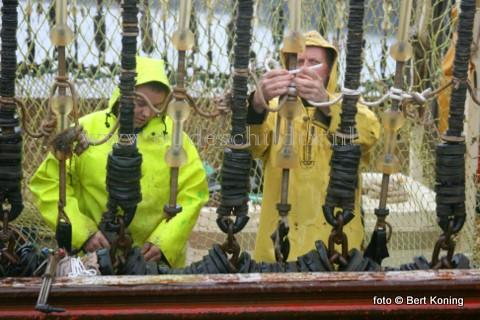 """Zowel de TX 68 """"Vertrouwen' van de familie van der Vis & Daalder en de TX 36 'Jan van Toon' van de familie van der Vis, beiden uit Oosterend,, zijn als pulsvissers genomineerd door het Produktschap Vis."""