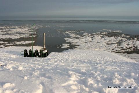 Aan de Lancasterdijk in 't Noorden is inmiddels met deze vorstperiode het eerste drijfijs gevormt.