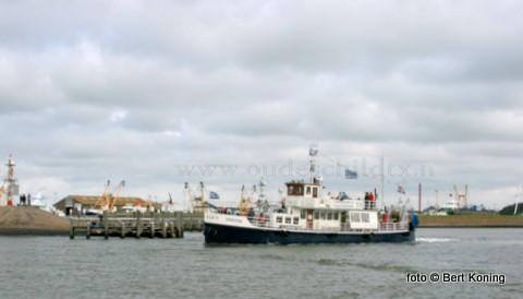 De Zeester van Johan Hutjes uit Oudeschild is verkocht aan het plaatselijke rondvaartbedrijf van Herman Blom en Frido Boom. Welke zelf al jaren met toeristen van met de TX 10 Emmi en de TX 20 Orion vanuit de Oudeschilder haven. De TX 35 is ook bekend als de voormalige veerboot van Schiermonnikoog.