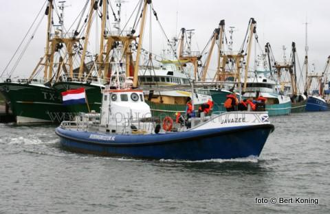 Afgelopen zaterdag beleefde de KNRM Texel ook een succesvolle Open Dag. Vanuit Oudeschild kon meegevaren worden met de historische 'Javazee' uit Den Helder, De 'Zalm' van station De Koog, en de 'Francine Kroesen' uit  Oudeschild. Bij het station De Cocksdorp kon men opstappen bij de 'Beursplein 5'. Aan het eind van de zaterdag konden op Oudeschild 30 nieuwe KNRM-donateurs worden bijgeschreven.