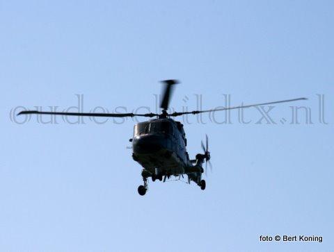 Dinsdagmorgen werd door de reddingshelicopter Pedro 2 ten westen van Vlieland een opvarende van een zinkend zeiljacht uit zee opgepikt. De reddingboot 'Graaf van Byland' van Vlieland contstateerde rond 12.00 uur terplekke dat alleen de mast van het jacht nog boven water uitstak.